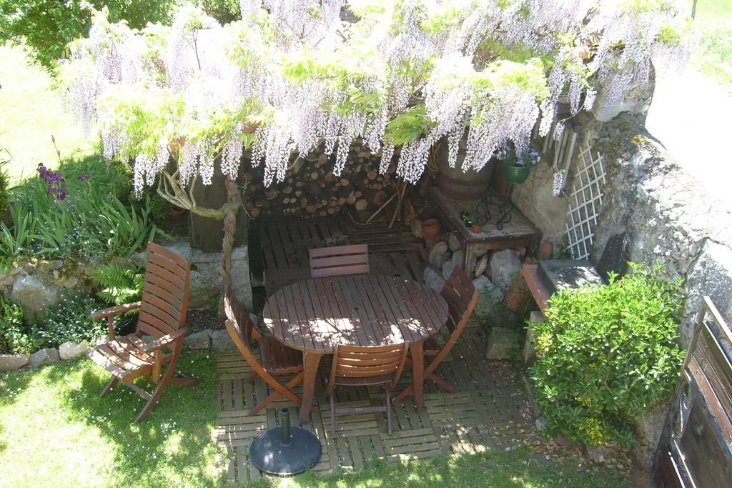 Coin Salon De Jardin Vue Depuis Le Balcon